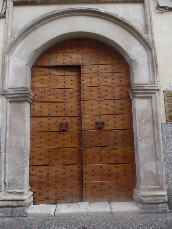 Palazzo / Stabile in vendita a Sulmona, 6 locali, prezzo € 450.000 | CambioCasa.it