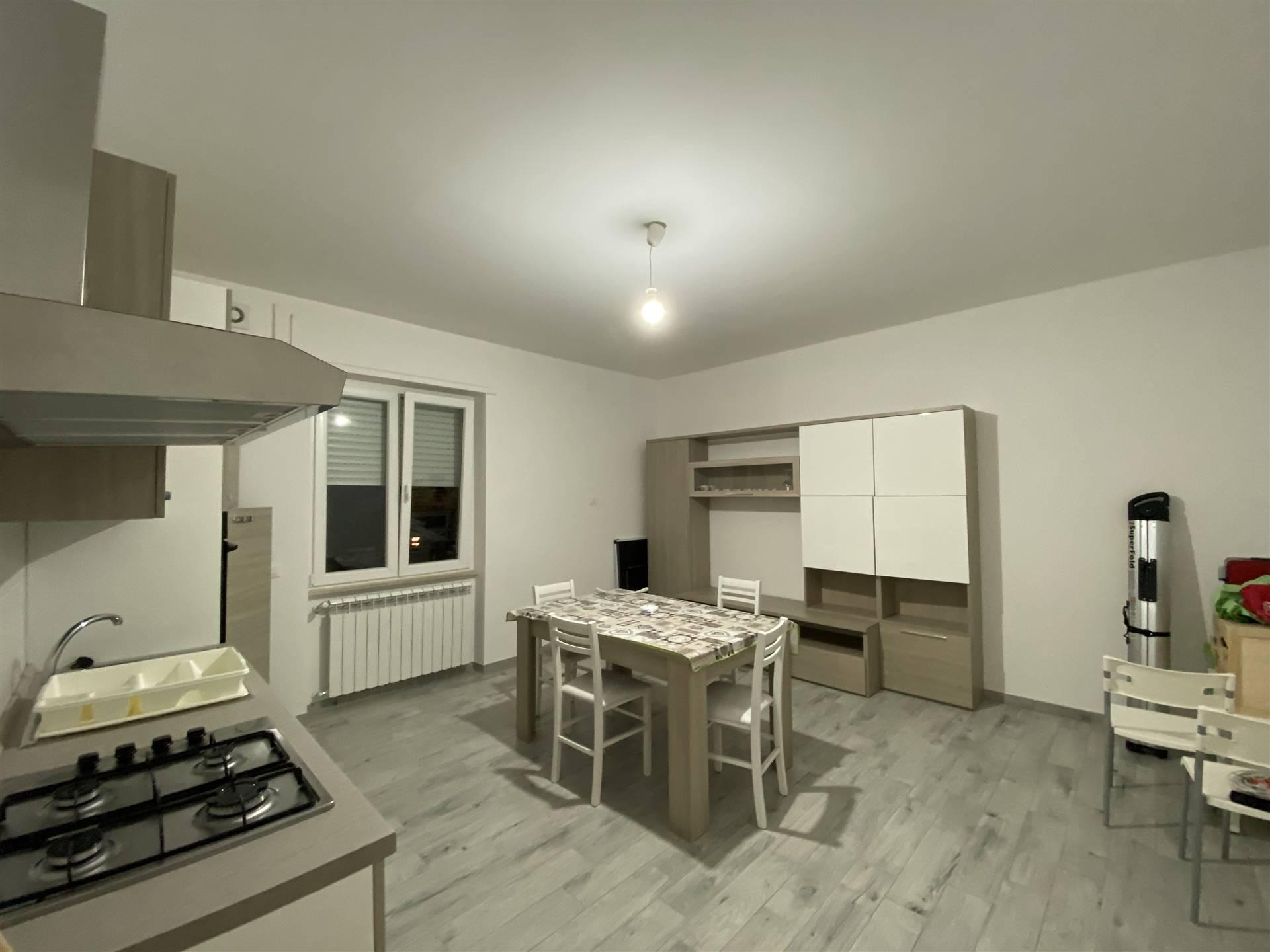 Foto soggiorno-cucina