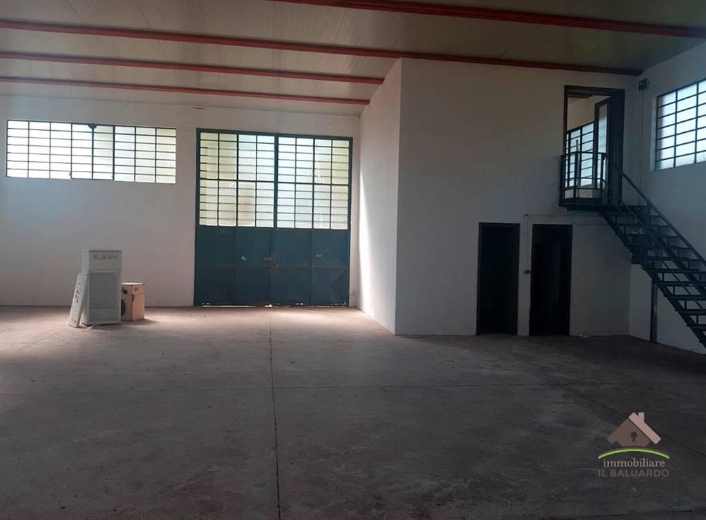 Immobile Commerciale in affitto a Porcari, 9999 locali, prezzo € 3.500 | PortaleAgenzieImmobiliari.it