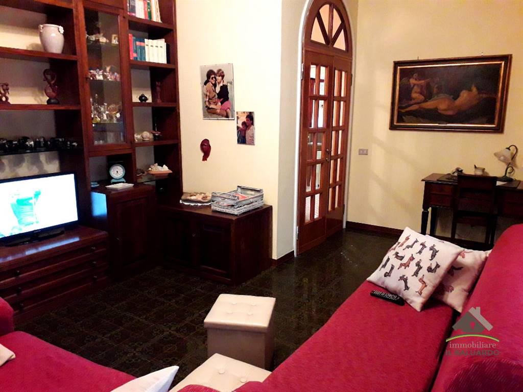 Appartamento in vendita a Capannori, 5 locali, zona ta, prezzo € 250.000 | PortaleAgenzieImmobiliari.it