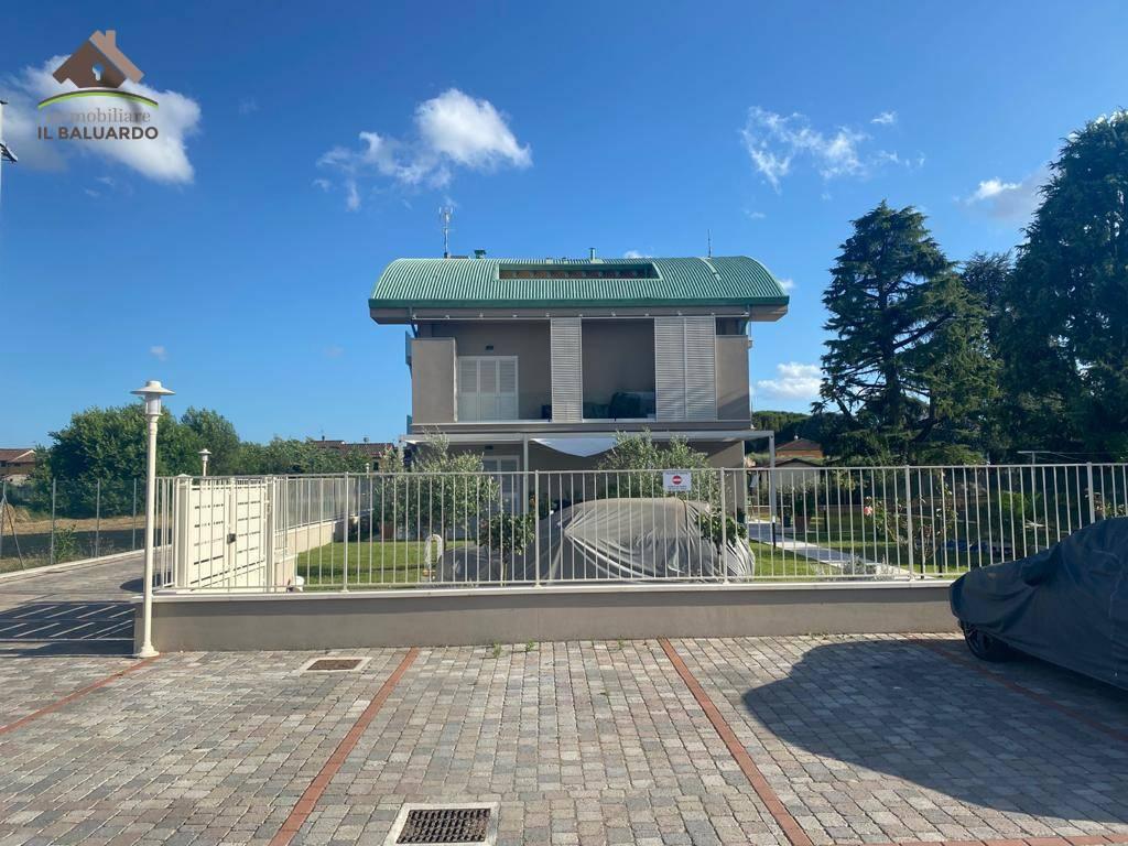 Appartamento in vendita a Capannori, 3 locali, zona ari, prezzo € 185.000 | PortaleAgenzieImmobiliari.it