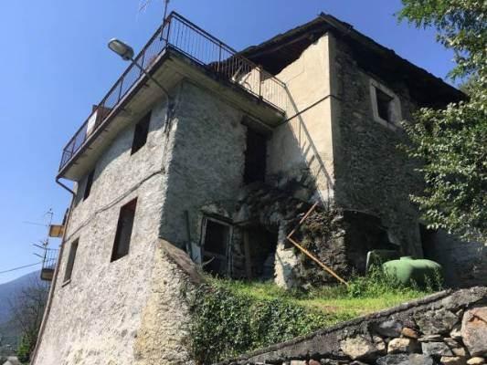 Rustico / Casale in Vendita a Montagna in Valtellina