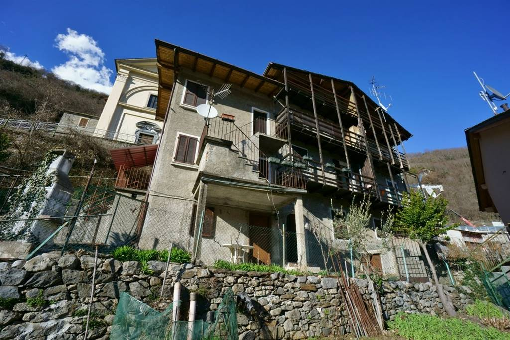 Rustico / Casale in vendita a Morbegno, 5 locali, zona Zona: Campovico, prezzo € 79.000 | CambioCasa.it