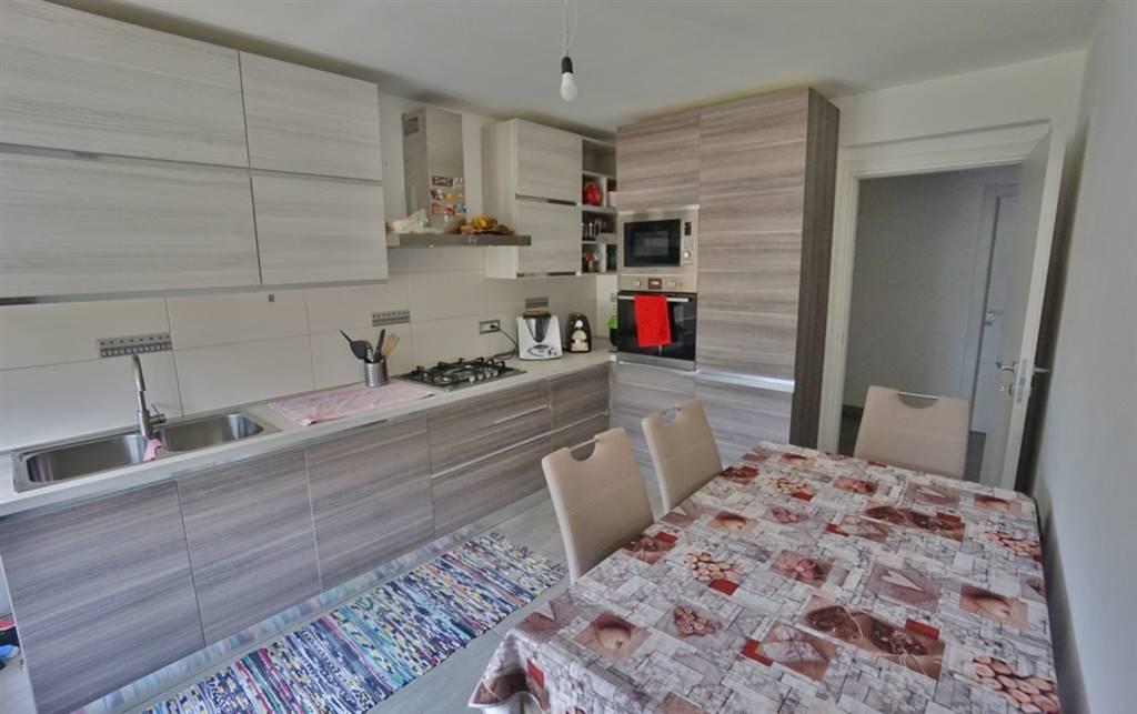 Appartamento in vendita a Morbegno, 6 locali, zona ovico, prezzo € 147.000 | PortaleAgenzieImmobiliari.it