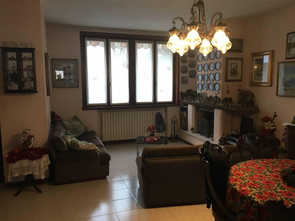Villa, Podenzano, in ottime condizioni
