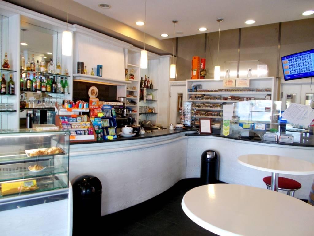 BORGO A BUGGIANO, BUGGIANO, Bar in vendita di 100 Mq, Buone condizioni, Riscaldamento Autonomo, Classe energetica: G, Epi: 175,5 kwh/m3 anno, posto