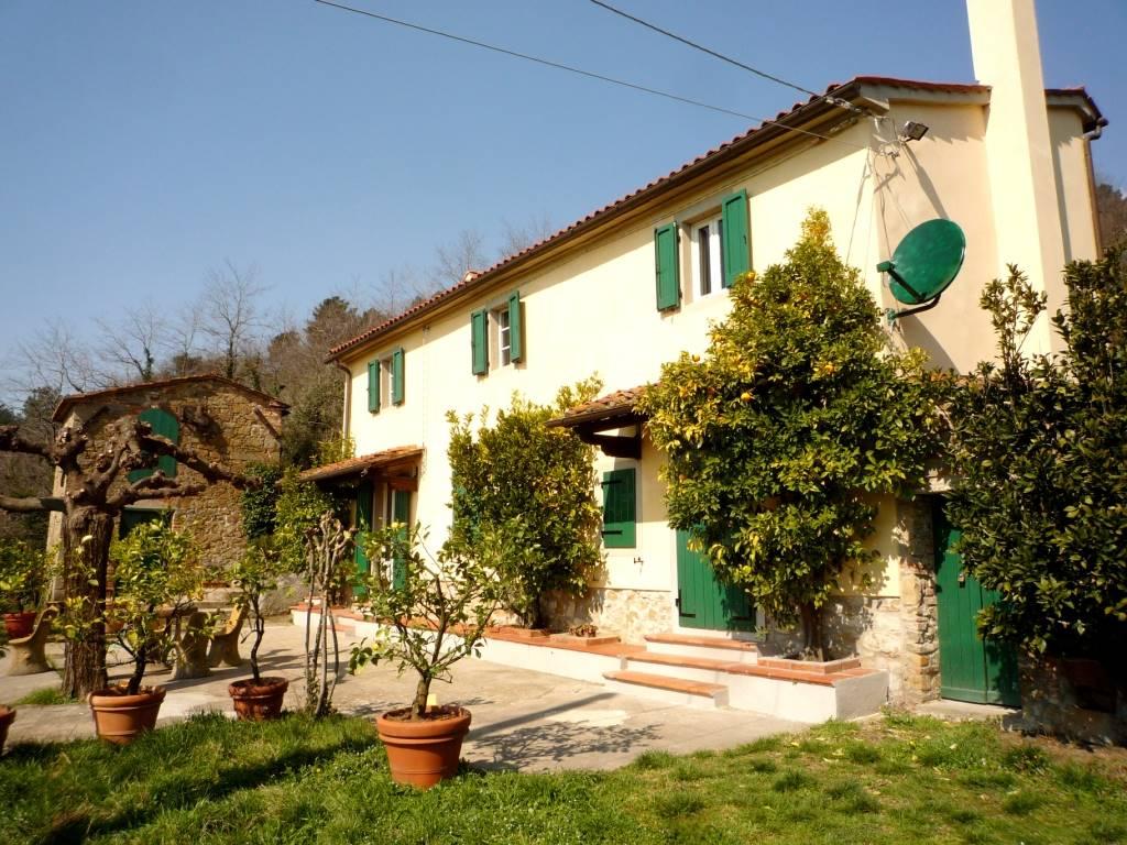 Soluzione Indipendente in vendita a Serravalle Pistoiese, 7 locali, prezzo € 470.000 | CambioCasa.it