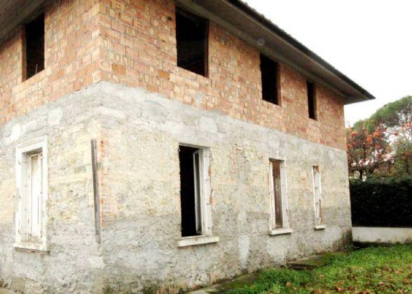 Casa singola in vendita a montecatini terme pistoia rif g4079 - Case in vendita pistoia giardino ...