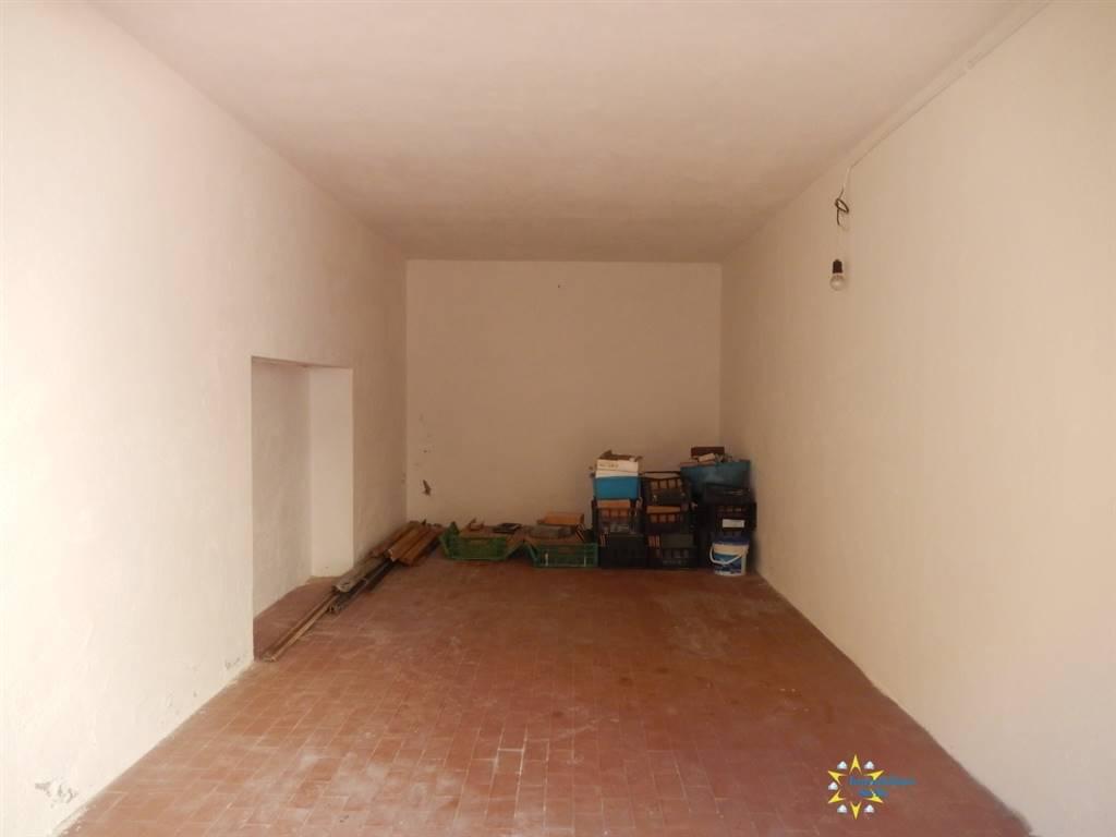 Box / Garage in vendita a Mantova, 1 locali, zona Zona: Centro storico, prezzo € 35.000 | CambioCasa.it