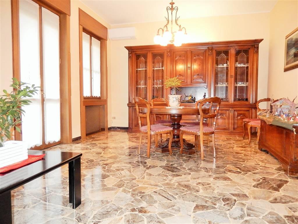Appartamento in vendita a Mantova, 5 locali, zona Zona: Centro storico, prezzo € 298.000 | CambioCasa.it