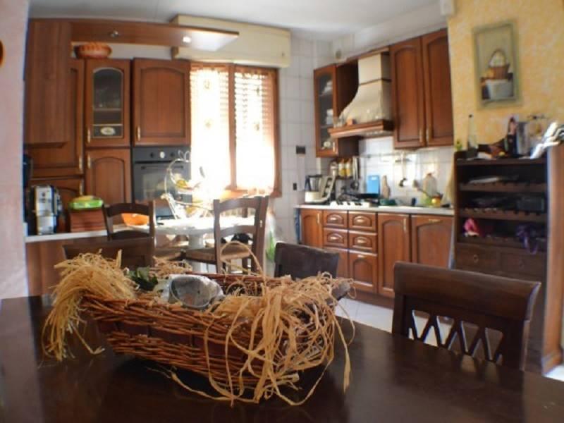 Villa a Schiera in vendita a Tresana, 6 locali, zona Zona: Barbarasco, prezzo € 138.000 | CambioCasa.it