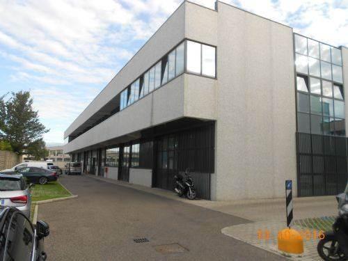 LaboratoriFirenze - Laboratorio, Badia a Settimo, Scandicci, in ottime condizioni