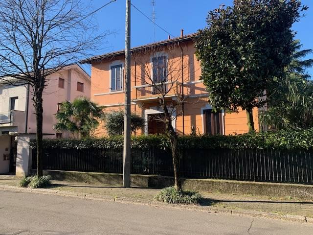 Appartamento in vendita a Cusano Milanino, 5 locali, zona Zona: Città Giardino di Milanino, prezzo € 540.000   CambioCasa.it