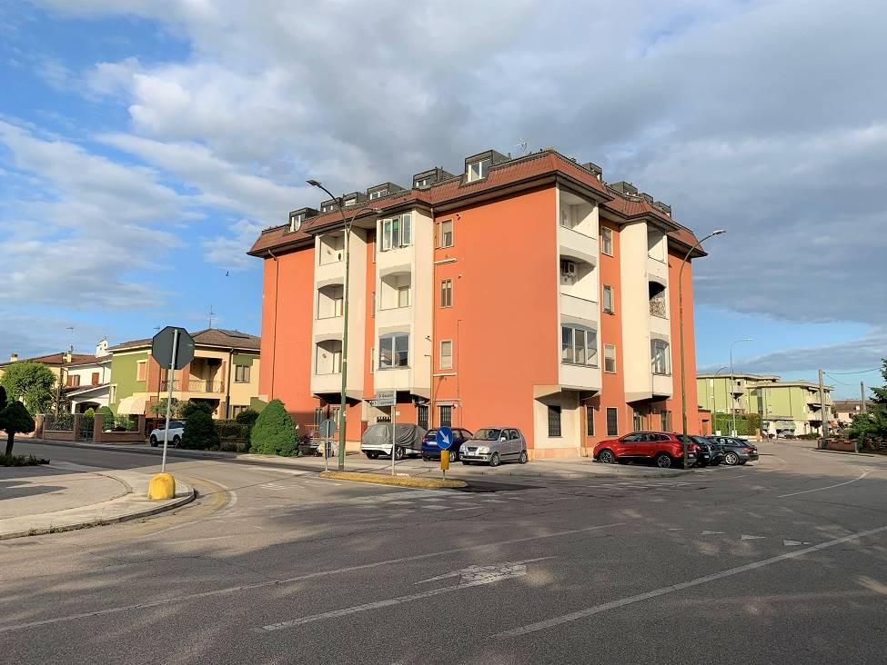 Appartamento in vendita a Castelbelforte, 5 locali, prezzo € 45.000 | PortaleAgenzieImmobiliari.it