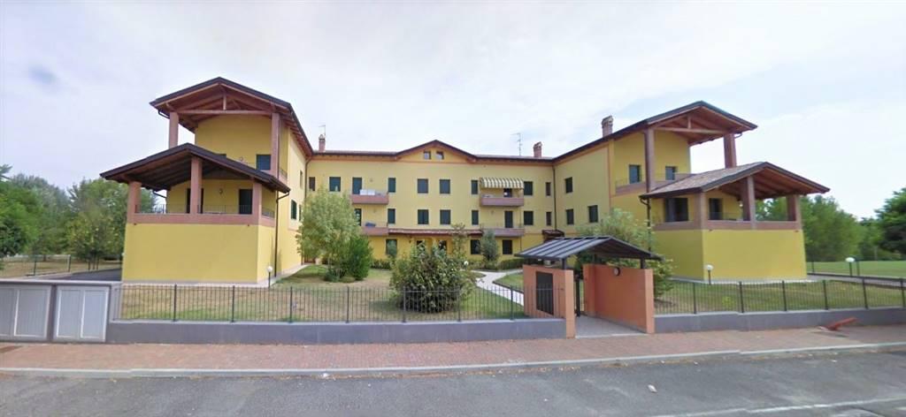 Appartamento in vendita a Castel d'Ario, 4 locali, zona Zona: Centro Urbano, prezzo € 70.000 | CambioCasa.it