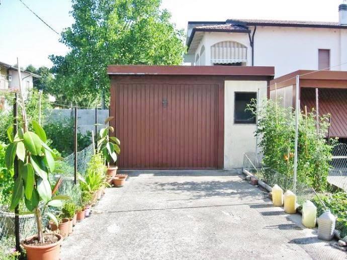 Appartamento in vendita a Castelbelforte, 4 locali, prezzo € 30.000 | CambioCasa.it