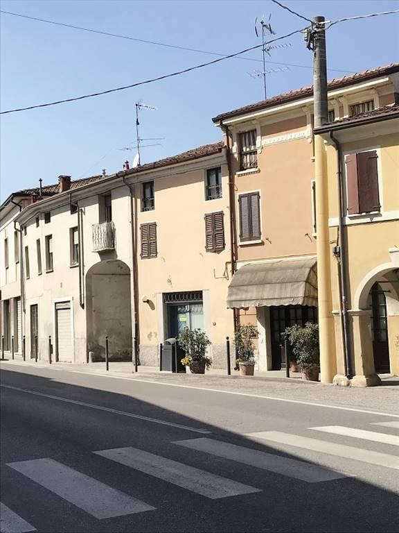 Negozio / Locale in vendita a Castel d'Ario, 3 locali, zona Zona: Centro Urbano, prezzo € 60.000 | CambioCasa.it