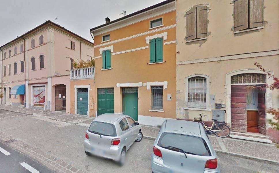 Negozio / Locale in affitto a Castelbelforte, 2 locali, Trattative riservate | CambioCasa.it