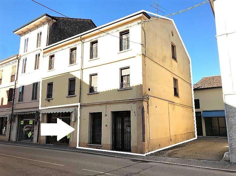 Palazzo / Stabile in vendita a Villimpenta, 8 locali, prezzo € 39.000   PortaleAgenzieImmobiliari.it