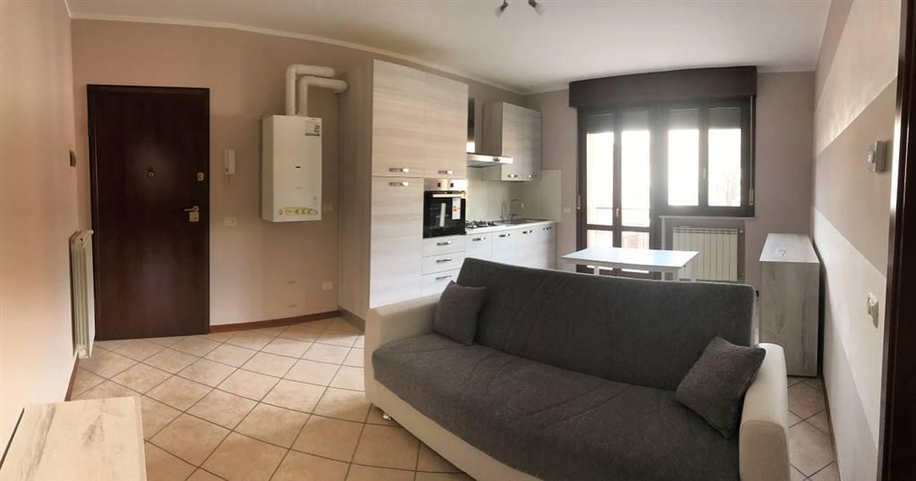 Appartamento in affitto a Roncoferraro, 2 locali, zona Località: CADÉ, prezzo € 350   CambioCasa.it