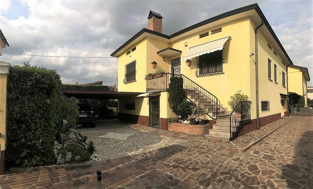 Villa in vendita a Castelbelforte, 7 locali, prezzo € 175.000 | PortaleAgenzieImmobiliari.it