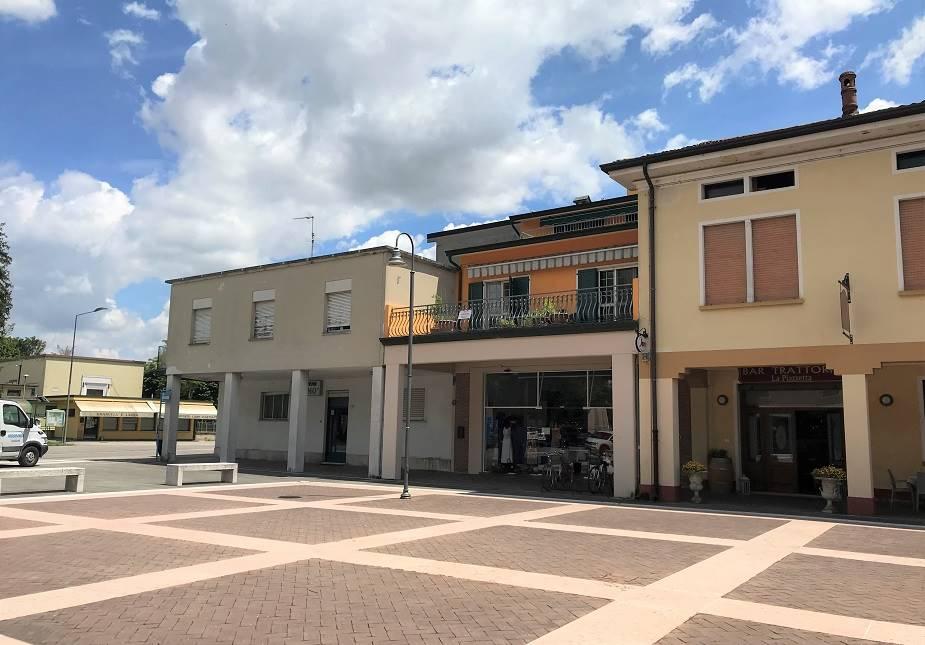 Appartamento in vendita a Roncoferraro, 10 locali, prezzo € 99.000 | PortaleAgenzieImmobiliari.it