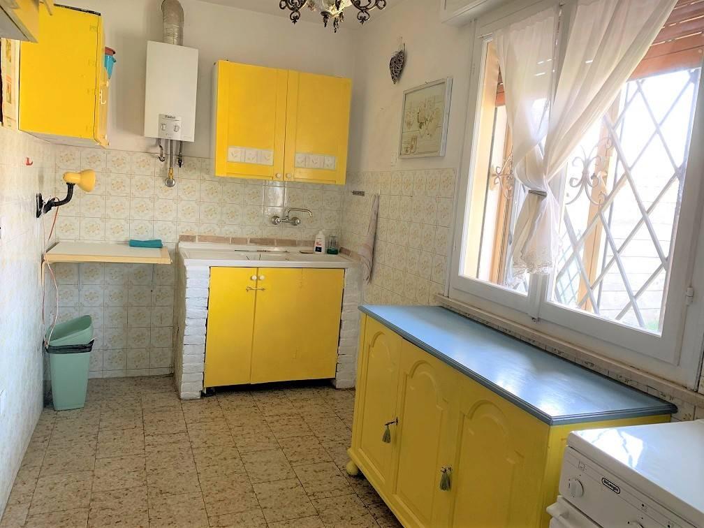 Soluzione Semindipendente in vendita a Castel d'Ario, 4 locali, zona Zona: Centro Urbano, prezzo € 43.000 | CambioCasa.it