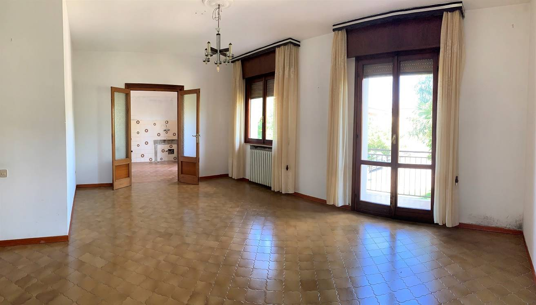 Appartamento in vendita a Castel d'Ario, 3 locali, zona Zona: Centro Urbano, prezzo € 77.000 | CambioCasa.it