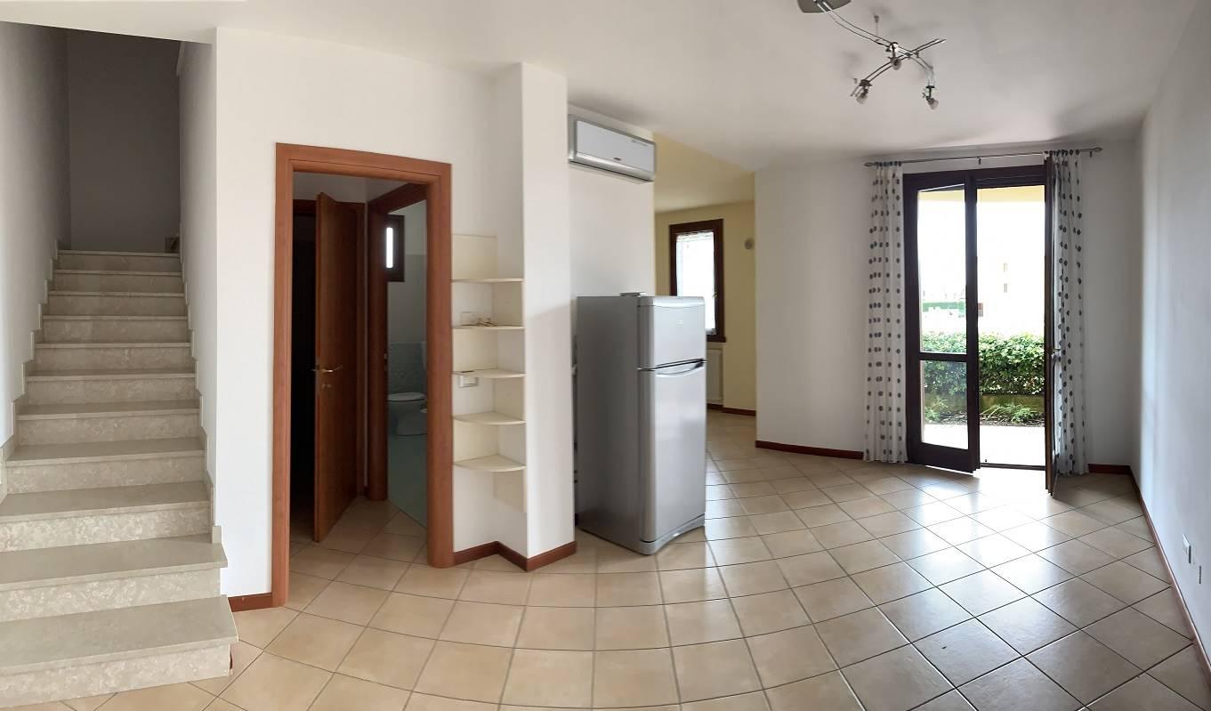 Appartamento in vendita a Villimpenta, 4 locali, prezzo € 100.000 | CambioCasa.it