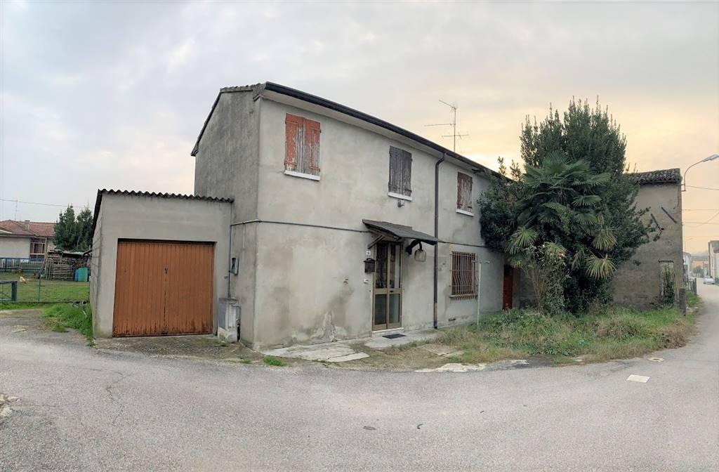 Soluzione Semindipendente in vendita a Serravalle a Po, 4 locali, zona Zona: Libiola, prezzo € 35.000 | CambioCasa.it