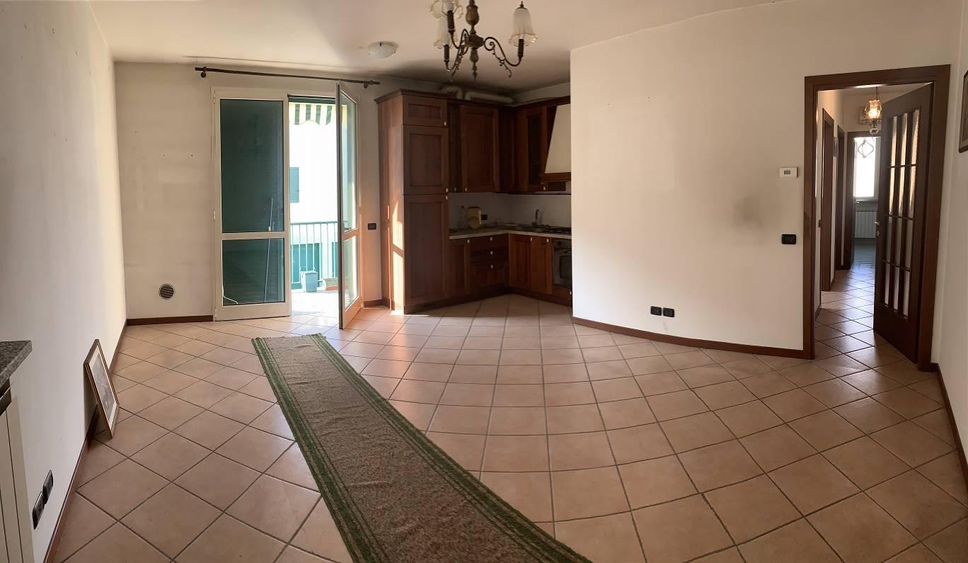 Appartamento in vendita a Castel d'Ario, 3 locali, zona Zona: Centro Urbano, prezzo € 55.000 | CambioCasa.it