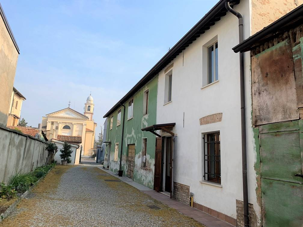 Soluzione Semindipendente in vendita a Castelbelforte, 4 locali, prezzo € 48.000 | PortaleAgenzieImmobiliari.it