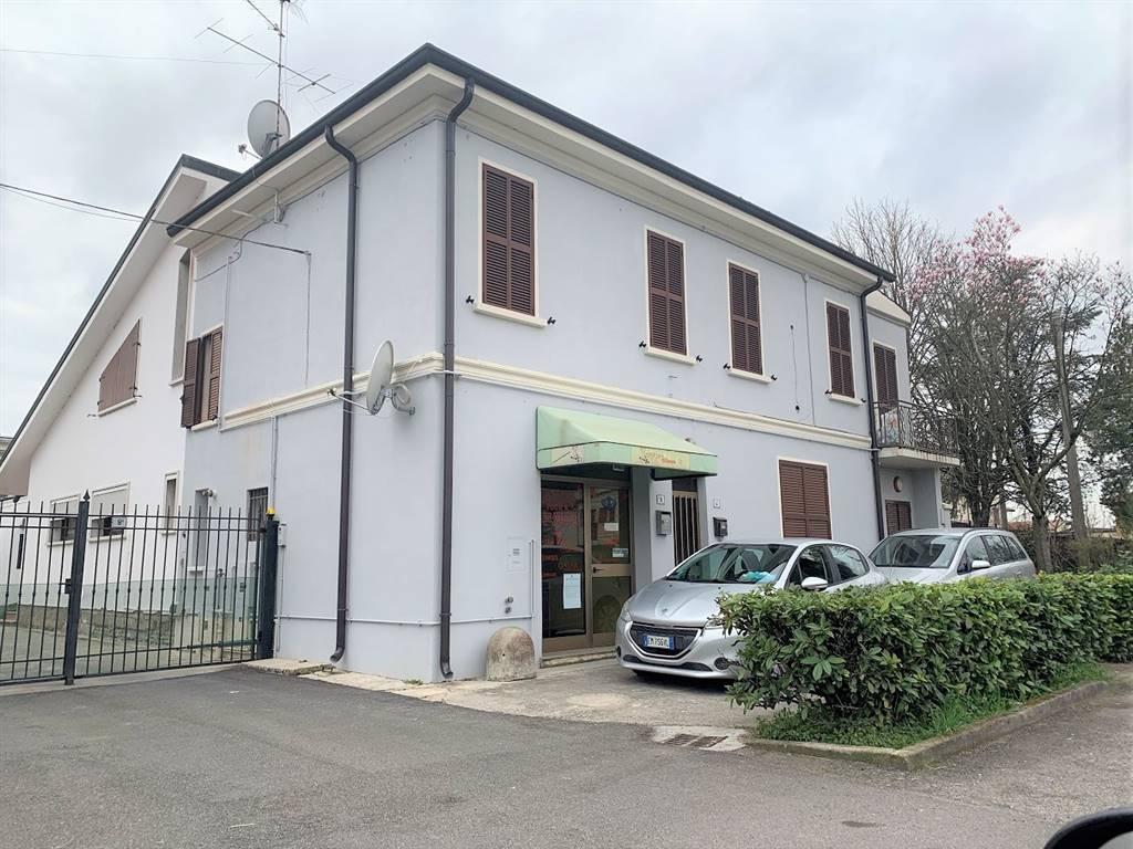 Palazzo / Stabile in vendita a Castel d'Ario, 5 locali, zona Zona: Centro Urbano, prezzo € 78.000 | CambioCasa.it