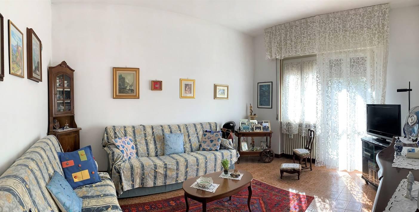 Appartamento in vendita a Castel d'Ario, 6 locali, zona Zona: Centro Urbano, prezzo € 65.000 | CambioCasa.it