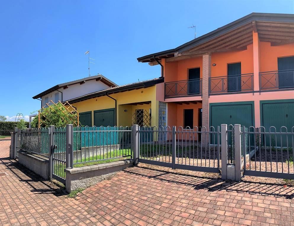 Villa a Schiera in vendita a Castelbelforte, 5 locali, prezzo € 109.000 | PortaleAgenzieImmobiliari.it