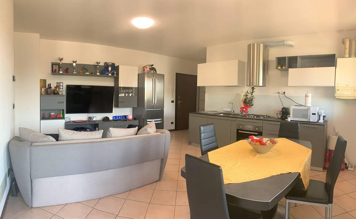 Appartamento in vendita a San Giorgio di Mantova, 3 locali, zona Zona: Mottella, prezzo € 97.000 | CambioCasa.it
