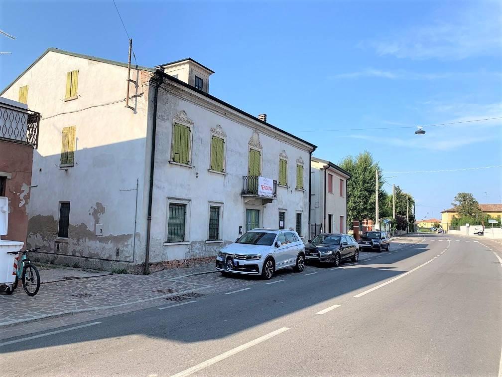 Palazzo / Stabile in vendita a Castelbelforte, 16 locali, prezzo € 90.000 | PortaleAgenzieImmobiliari.it