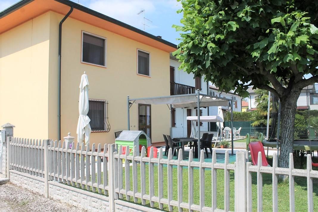 Villa a Schiera in vendita a Villimpenta, 6 locali, prezzo € 120.000 | CambioCasa.it