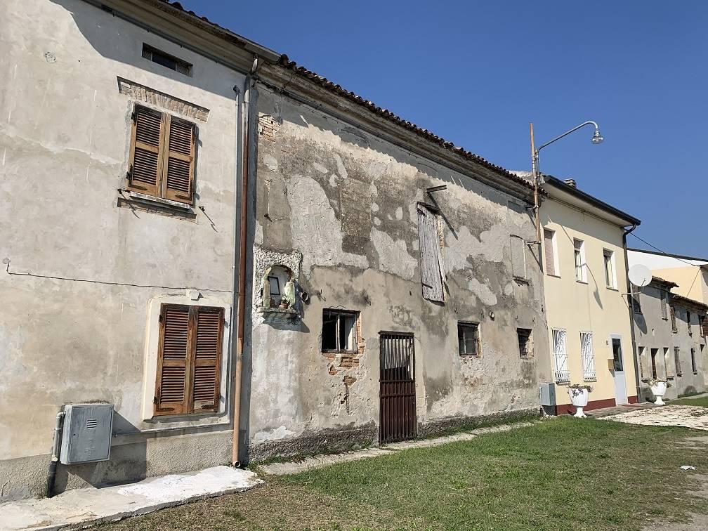 Rustico / Casale in vendita a Villimpenta, 2 locali, zona Località: PRADELLO, prezzo € 15.000   PortaleAgenzieImmobiliari.it