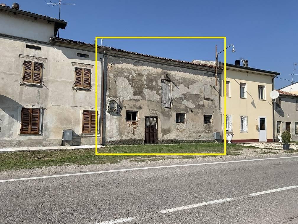 Rustico / Casale in vendita a Villimpenta, 2 locali, zona Località: PRADELLO, prezzo € 15.000   CambioCasa.it