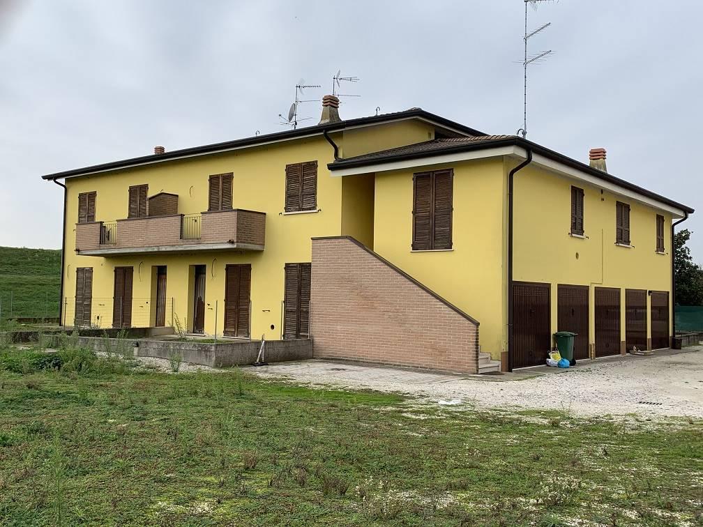 Appartamento in vendita a Sustinente, 3 locali, prezzo € 55.000 | CambioCasa.it