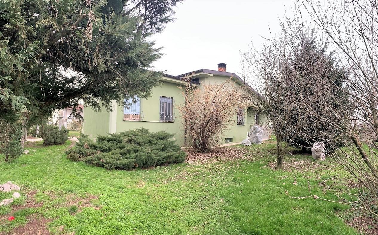 Soluzione Indipendente in vendita a Sustinente, 6 locali, zona Zona: Bastia, prezzo € 110.000 | CambioCasa.it