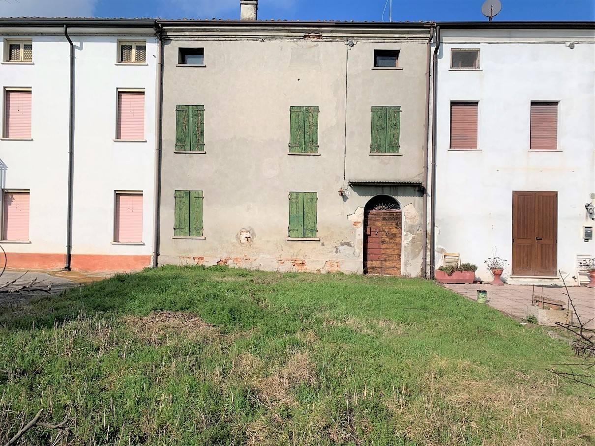 Soluzione Semindipendente in vendita a Villimpenta, 8 locali, prezzo € 33.000   PortaleAgenzieImmobiliari.it