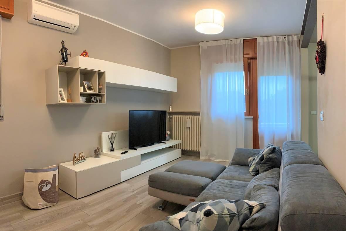 Appartamento in vendita a Castel d'Ario, 4 locali, zona Zona: Centro Urbano, prezzo € 85.000 | CambioCasa.it
