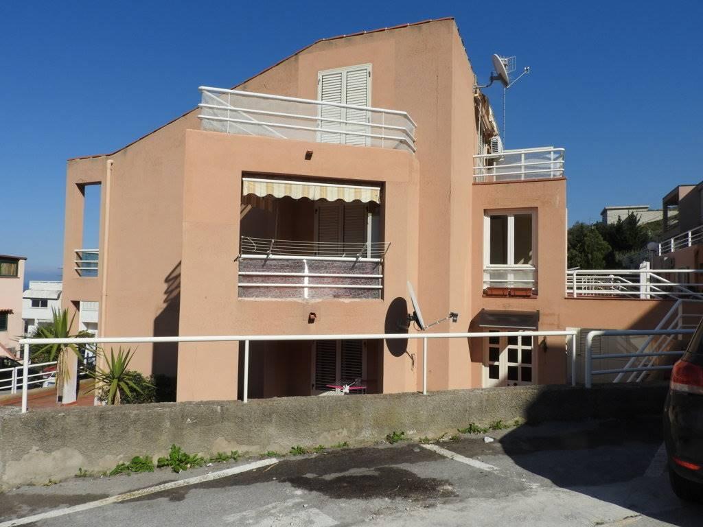 Villa a schiera in Via Vitaliano Brancati 18, Cefalu'