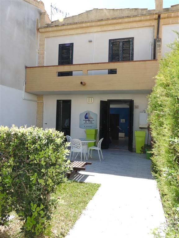 Villa a schiera in Viale Himera, Contrada Pistavecchia Int. 318, Campofelice Di Roccella