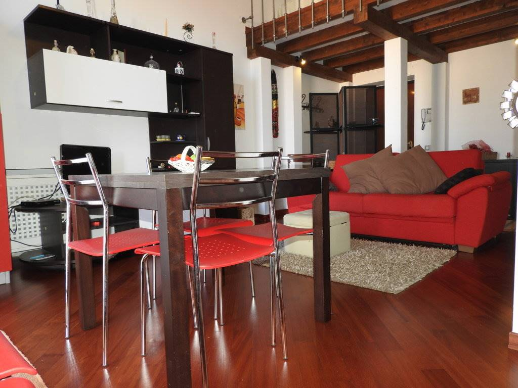 CENTRO STORICO, PALERMO, Apartment for the vacation for rent of 65 Sq. mt., Restored, Energetic class: G, placed at 3° on 3, composed by: 2 Rooms,