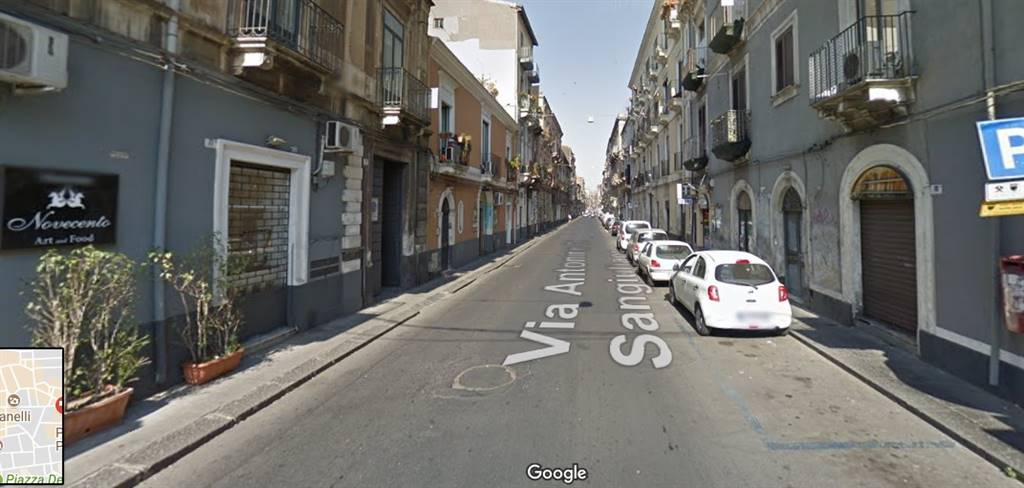 In Vendita Palazzo / Stabile a Catania