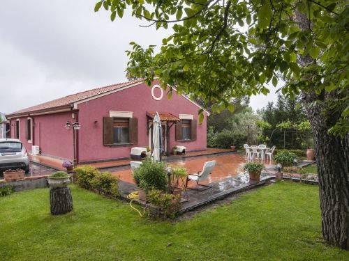 Villa in Via Alfredo Maria Mazzei, 50 Es, Nicolosi