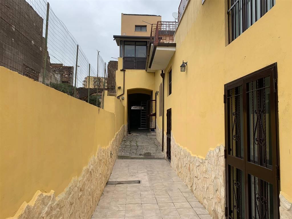 Casa semi indipendente, Catania, ristrutturato